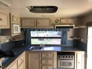 18' Norseman Caravan with Toilet and shower