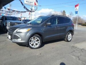 2013 Ford Escape SE 4X4 LEATHER AND POWER  HATCH