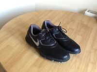 Mens Nike golf shoes size 8 excellent condition as new