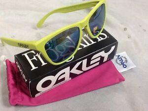 Gafas-de-sol-polarizadas-FROGSKINS-FINGERPRINT-OAKLEY-Mate-Helecho-JADE-OO9013-14
