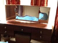 Mahogony style 4 piece bedroom set