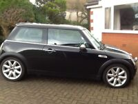 4 Mini Cooper s 17 inch alloys with tyres