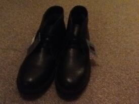 New m&s size 9 boots