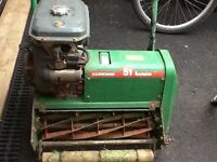 Lawn mower Ransomes 51Marquis cilinder /roller with MAG 120 engine very light use in private garden