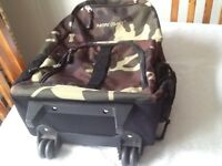 Backpack camouflaged can be wheeled