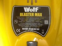 Wolf pressure washer used only once 165 bar.