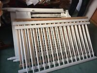 WHITE PAINTED WOODEN COT