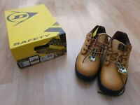 Dunlop Safety Shoes size 9 NEW