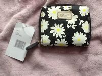 Betsey Johnson Daisy Purse New with tags