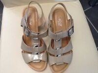 Gabor taupe leather sandals, size 6.5. Very good condition