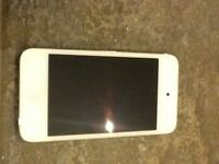 Apple iPod touch 4th generation good working condition