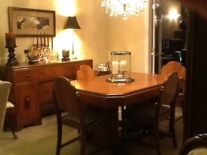 Vintage 9 piece dining room suite