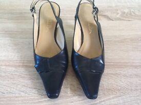 Jane Shilton court black Shoes