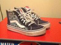 Boys Vans boots- Size 13 Good condition