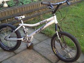 Onza t-bird trails bike with hydraulic brakes