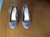 Grey wedge court shoe size 5c. Suede effect. Unworn