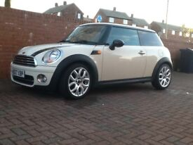 Mini Cooper diesel pepper white