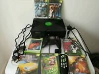 Original Xbox in excellent condition with accessories