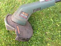 Electric grass strimmer Black and Decker GL595