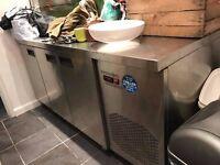 Stainless steel catering Fridge chiller - commercial work bench fridge with wheels