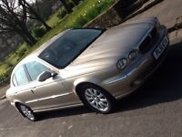 JAGUAR X TYPE 2.5 V6 AWD IN SHOWROOM CONDITION WITH LOW MILEAGE!!!
