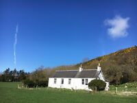 Short-term - Dbl room in lovely country cottage 3 miles from Perth City Centre