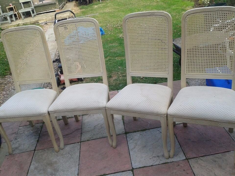 set of 4 dinning chairs good condition only £10.00