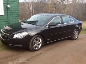 2010 Black Chevy Malibu Platinum edition
