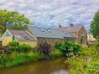 Beautiful Stone Holiday Cottage in Braunton, North Devon. 3 Miles from Beach. All amenities included