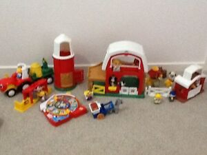 Farmyard fisher Price Little People set Ashmore Gold Coast City Preview