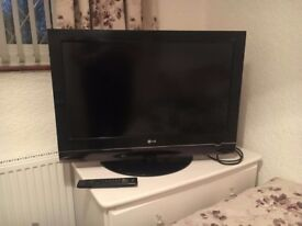 LG 32 Inch TV Full HD LCD + freeview