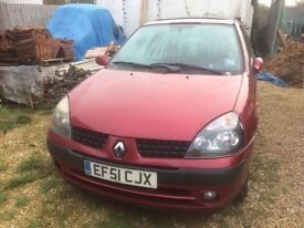 Renault Clio mk2 breaking for parts