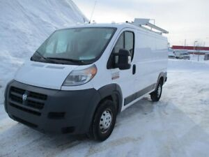 RAM ProMaster fourgonnette utilitaire 1500 Low Roof 136 po