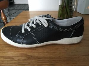 Size 7 Sneakers