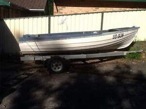 15 Foot 40 Year old Lewis Speed Boat – Fibreglass Clinker Hull Niagara Park Gosford Area Preview