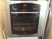 single integrated electric oven in excellent condition can deliver