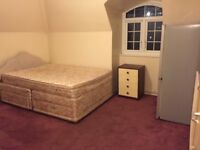 Double room to rent at Camberwell green.
