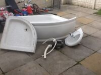 Jacuzzi corner bath with pump and Sink basin and shower tray £40 the lotcan deliver