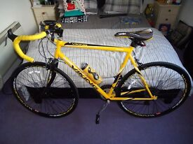 viking 700c roadbike immaculate + turbo trainer excellent condition