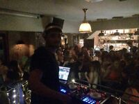 EXPERIENCED London DJ - LOOKING FOR GIGGS
