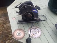240v circular saw with 2 blades like new no longer required have a clear out