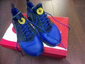 Nike Air Huarache Size 8.5 Excellent Condition