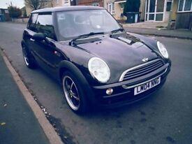 Mint little runner. Mini One 2004, 3 doors hatch back, petrol