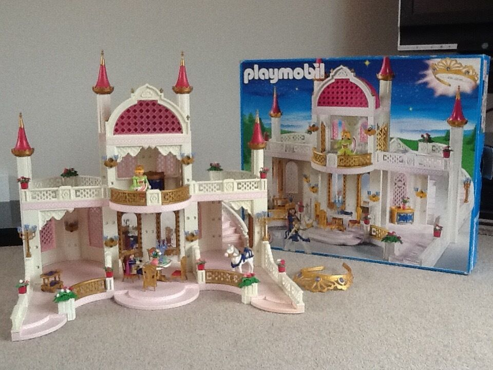 Playmobil 4250 fairy princess castle boxed in colchester for Chateau playmobil 4250