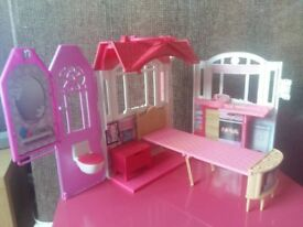 Barbie Weekend Getaway house and Jeep with trailer
