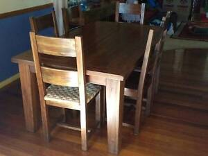 PRICE REDUCED-MUST SELL-7 piece Hardwood Dining Setting VGC $400 Kallangur Pine Rivers Area Preview
