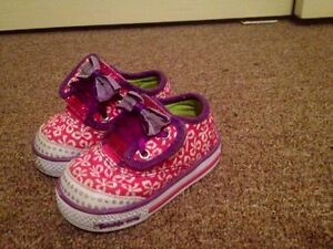 As new Baby girl skechers size 2 Warragul Baw Baw Area Preview