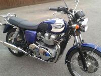 Triumph Bonneville T100 4900 Miles