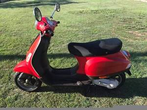 2006 Vespa 50cc - REGO 1st may - RWC - Great scooter/moped! Deception Bay Caboolture Area Preview