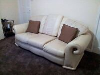 3 Seater Leather Sofa Good Condition £99.99